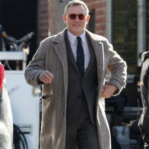 Knives Out Daniel Craig Coat 2