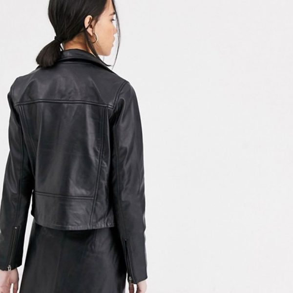 Pure Leather jacket In Black Colored